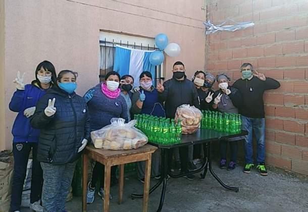 Locro solidario en Villa Rosas y Loma Paraguaya