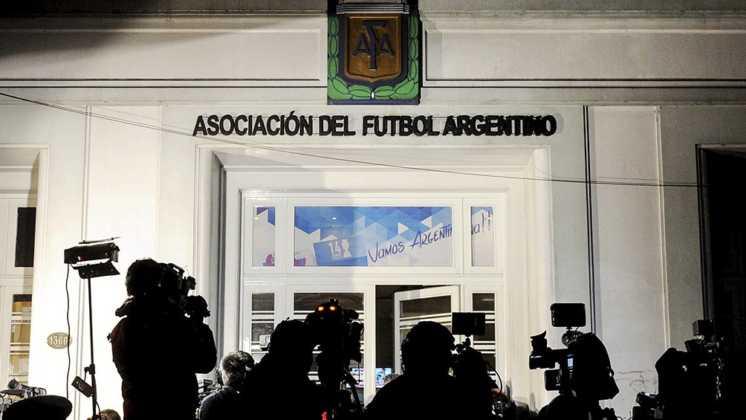 Reunión clave en AFA por la definición de protocolos sanitarios para cuando vuelva el fútbol