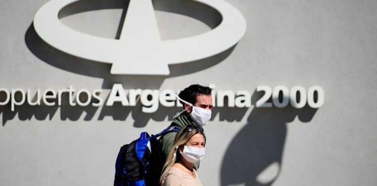 En qué casos los argentinos pueden viajar al exterior durante la cuarentena