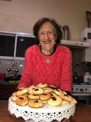 Tiene 90 años y es furor en Instagram con sus recetas