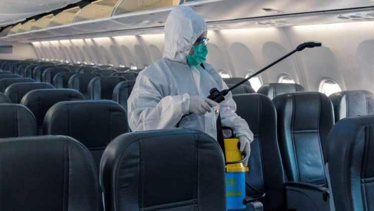 Coronavirus: analizan permitir vuelos cortos para las vacaciones de invierno