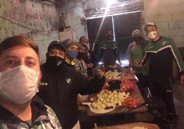 Cruzada solidaria de hinchas de Villa Mitre