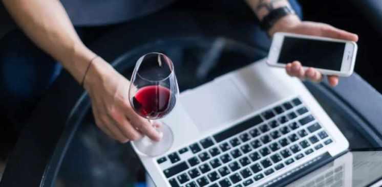 Se triplicó la cantidad de gente que toma alcohol todos los días en la cuarentena