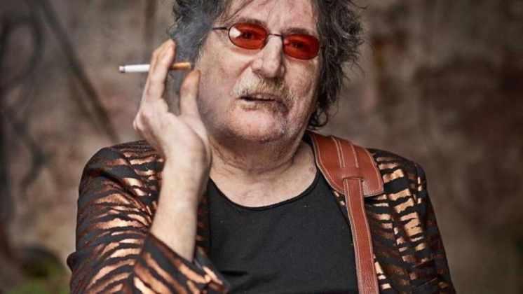 Charly García evoluciona bien, pero deberá seguir internado: el parte médico del músico