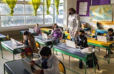 Clases presenciales: ya regresaron más de un millón de estudiantes bonaerenses