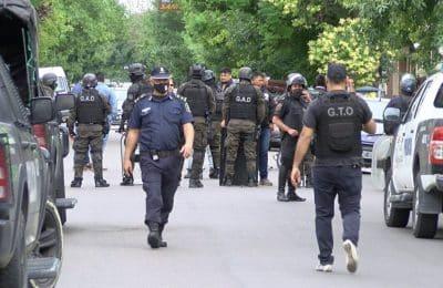 Conflicto en la UOCRA: un grupo de personas tomó el gremio y se atrincheraron