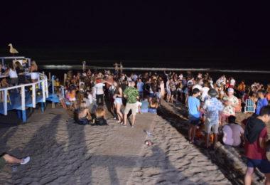 Multitudinarias fiestas clandestinas y una adolescente accidentada en la noche de Monte Hermoso