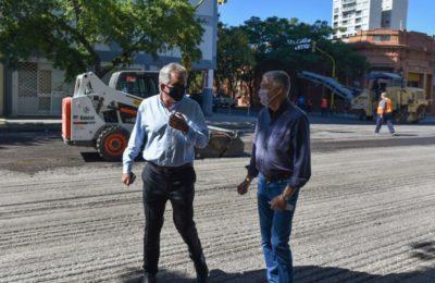 Héctor Gay recorrió la obra de pavimentación de Avenida Colón