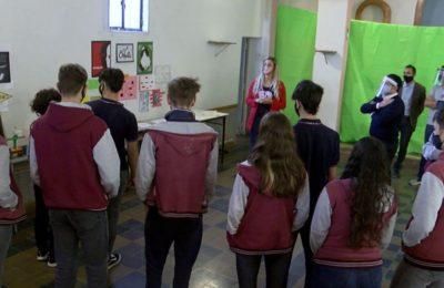 Con protocolos, una escuela bahiense realizó una exposición