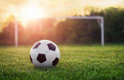 """Un chico de 15 años erró un penal en un partido en Neuquén y sus compañeros le dieron una paliza brutal: """"Una patada más y lo mataban"""""""
