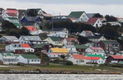 En medio de la tensión con Gran Bretaña por las Malvinas, el Gobierno les dará becas a estudiantes de las Islas