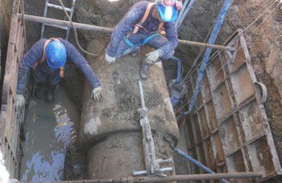 Sigue la reparación del acueducto de calle Brandsen