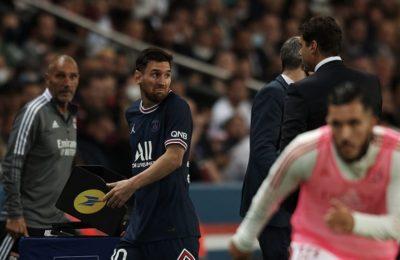 La llamativa reacción de Lionel Messi contra su entrenador al salir reemplazado