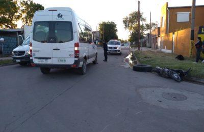 Barrio Pampa Central: una motociclista resultó herida tras un accidente