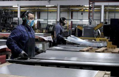 El Presidente firmó el decreto para convertir los planes sociales en empleo registrado