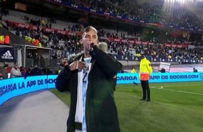L-Gante le hizo cantar el abecedario a todo el Monumental tras el triunfo de la Selección: «Es hora de festejar»